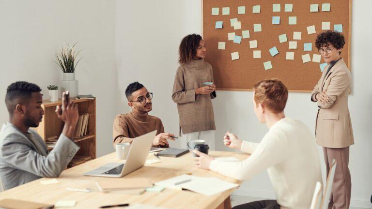 A modelagem de negócio é um procedimento simples que, quando bem executado, pode garantir uma vida longa aos empreendimentos. Saiba mais aqui.